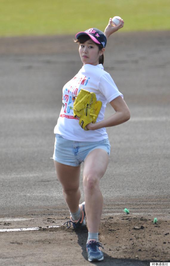オリックス対楽天戦で始球式を務めた稲村亜美